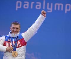 Россияне вновь заняли весь пьедестал в паралимпийской гонке