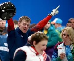 Зубков и его жена получили за золото Олимпиады 15 миллионов рублей