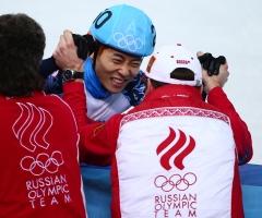 Два золота в шорт-треке вывели Россию на второе место в медальной гонке